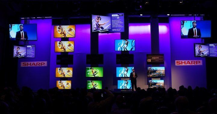5-inch Sharp 3D glasses-free 8K TV announced at CES 2014